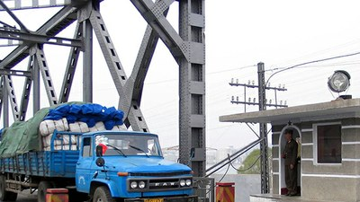 food_truck_bridge_b