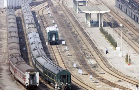 북한과 중국을 오가는 열차가 단둥역에 정차해 있다.