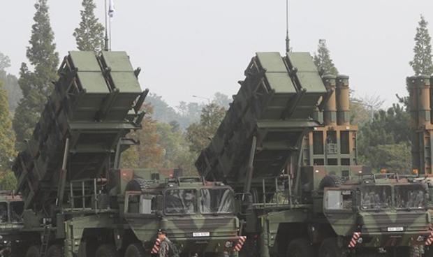 경기도 평택시 해군 제2함대사령부에 요격미사일 패트리엇(PAC-2)이 전시되어 있다.