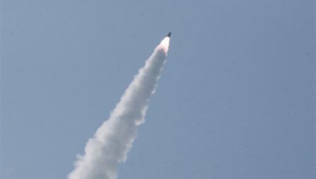 북한이 공개한 단거리 미사일 발사 장면.