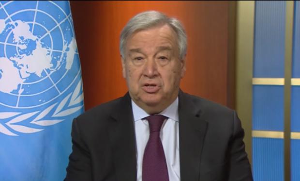 25일 유엔이 개최한 기자회견에서 '코로나 19 인도주의 대응책'에 대해 발표하는 안토니오 구테흐스 유엔 사무총장.