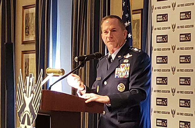 6일 오전 워싱턴DC에서 열린 미공군협회 조찬간담회에서 연설하는 데이비드 골드파인 미 공군참모총장.