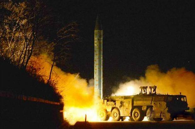 사진은 노동신문에 게재된 북한의 단거리 탄도미사일 발사 모습.