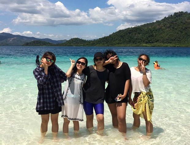 인도네시아 친구들과 여행 중인 모습. (사진제공: 문주원)