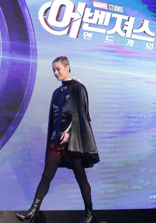 서울 종로구 포시즌스호텔에서 열린 영화 '어벤져스: 엔드게임' 내한 기자간담회에 배우 브리 라슨이 입장하고 있다.