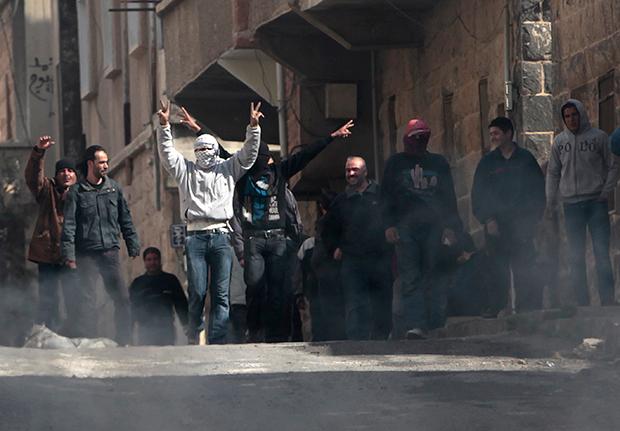 '아랍의 봄' 진원지였던 튀니지의 모습, 반정부 시위에서 도로를 점거하고 있는 시민들.