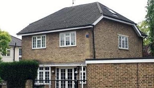 북한 국영 보험사인 조선민족보험총회사 영국지사로 등록된 런던 남동부 블랙히스에 있는 주택.