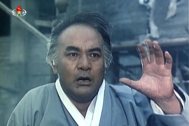 지난 10일 사망 사실이 알려진 북한 영화 '림꺽정'의 주인공 최창수. 사진은 지난 1992년 제작된 체제 찬양영화 '민족과 운명'(최현덕편) 출연 장면.