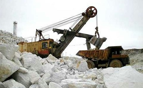 북한 함경남도 대흥청년광산에서 마그네사이트가 채굴되고 있다.