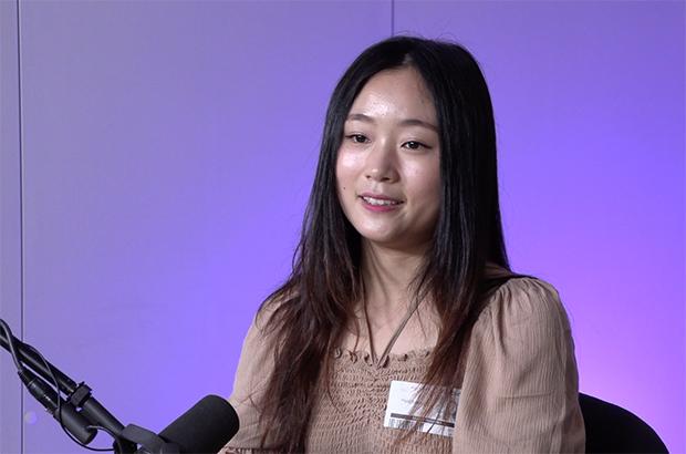 전효진 씨가 자유아시아방송에서 인터뷰를 하고 있다.