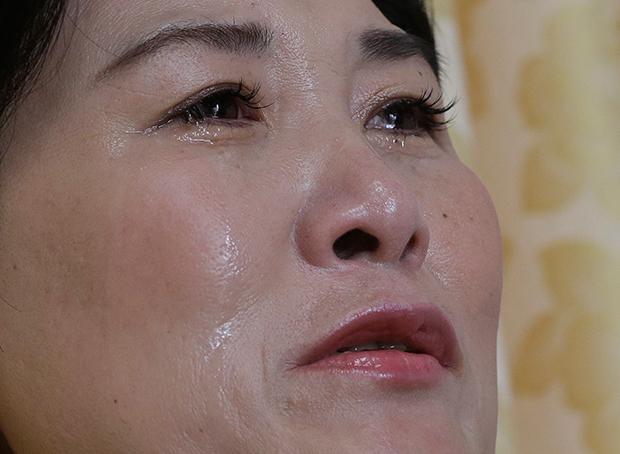한족에 팔린 한 탈북여성이 중국에 있는 아이를 만날 수 있게 해달라고 호소하고 있다.